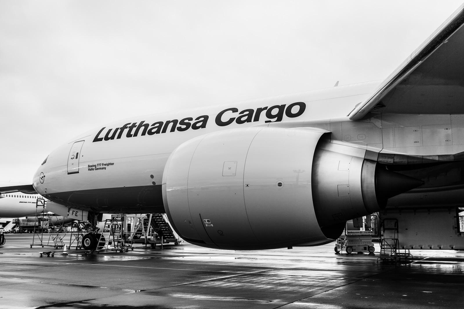 Eine neue Boeing der Lufthansa Cargo in Seattle