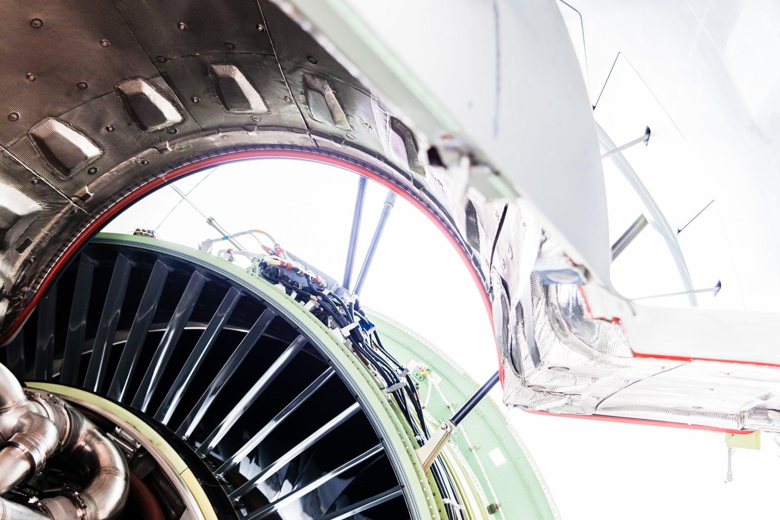 Triebwerk eines Flugzeuges offen